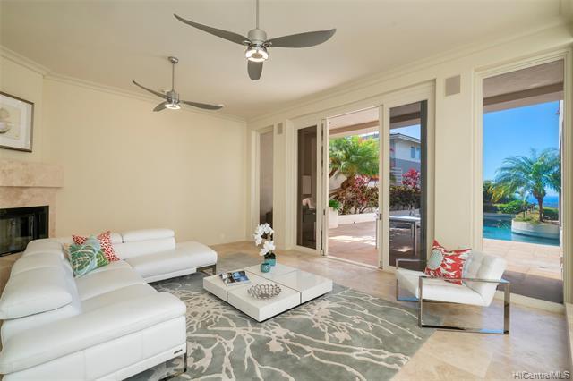 636 Kahiau Loop, Honolulu, HI 96821 (MLS #201900883) :: Hawaii Real Estate Properties.com