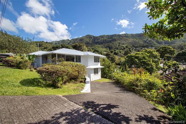3581 Akaka Place, Honolulu, HI 96822 (MLS #201900924) :: Keller Williams Honolulu