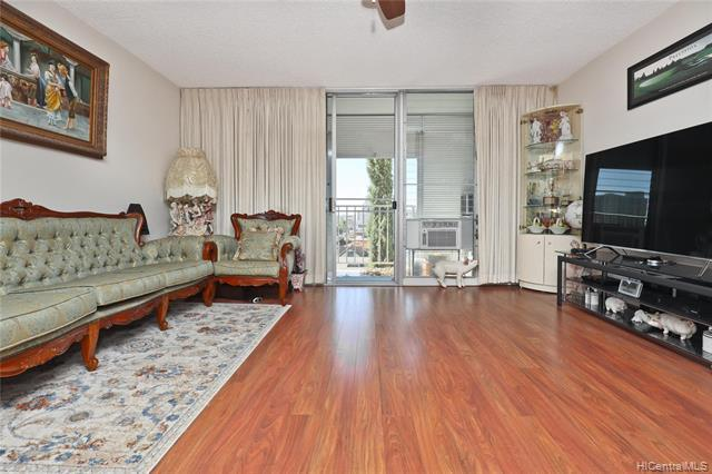 1326 Keeaumoku Street #605, Honolulu, HI 96814 (MLS #201900984) :: Team Lally