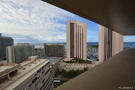 1700 Ala Moana Boulevard #2404, Honolulu, HI 96815 (MLS #201901714) :: Hawaii Real Estate Properties.com