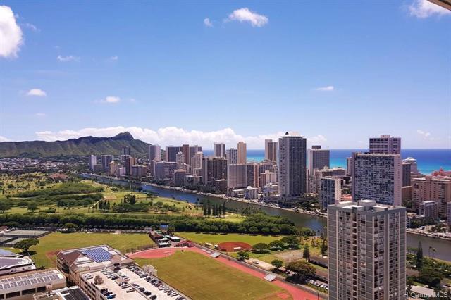 555 University Avenue #3706, Honolulu, HI 96826 (MLS #201903117) :: The Ihara Team