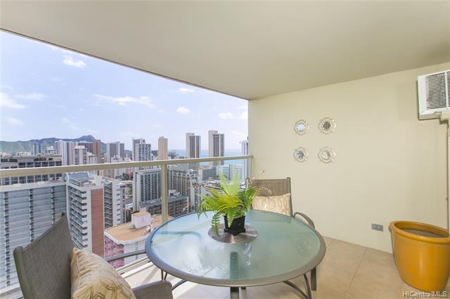 445 Seaside Avenue #3203, Honolulu, HI 96815 (MLS #201903441) :: Team Lally