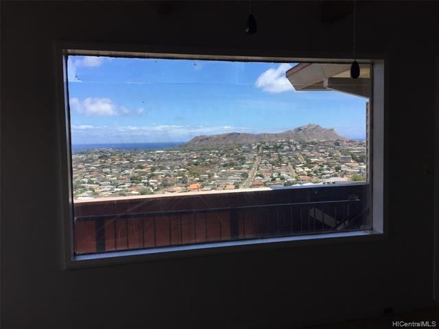 3865 Pukalani Place, Honolulu, HI 96816 (MLS #201903599) :: The Ihara Team