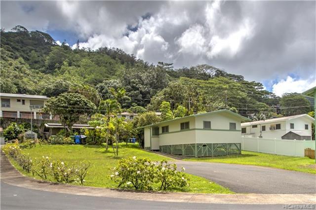 3585 Pinao Street #11, Honolulu, HI 96822 (MLS #201904163) :: The Ihara Team