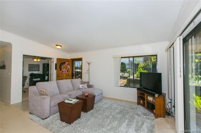 98-1825 Kaahumanu Street A, Aiea, HI 96701 (MLS #201904791) :: Team Lally