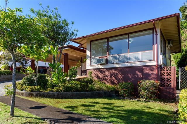 99-030 Kaamilo Street, Aiea, HI 96701 (MLS #201904814) :: Team Lally