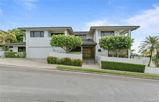 1995 Laukahi Street, Honolulu, HI 96821 (MLS #201904859) :: Team Lally