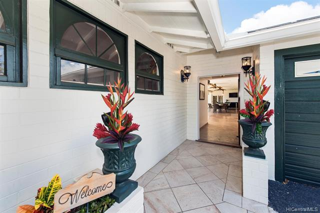 84 Wailupe Circle, Honolulu, HI 96821 (MLS #201911831) :: Island Life Homes