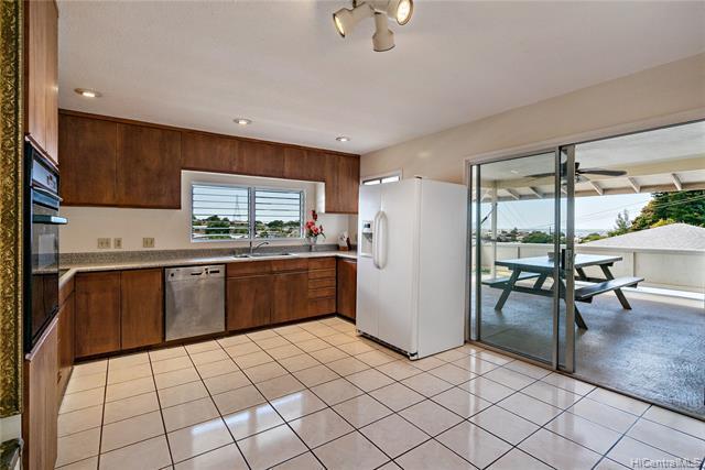 1627 Hoolaulea Street, Pearl City, HI 96782 (MLS #201913268) :: Elite Pacific Properties