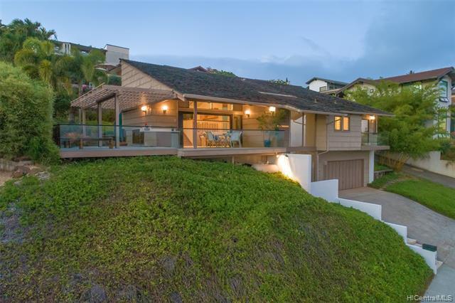 1616 Hoaaina Place, Honolulu, HI 96821 (MLS #201913768) :: The Ihara Team