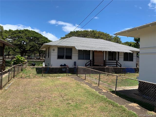 98-211 Kaluamoi Place, Pearl City, HI 96782 (MLS #201913828) :: The Ihara Team