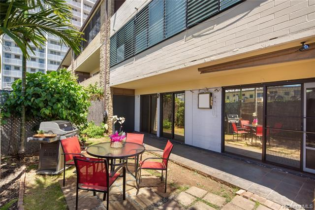 2450 Date Street #8, Honolulu, HI 96826 (MLS #201914000) :: The Ihara Team