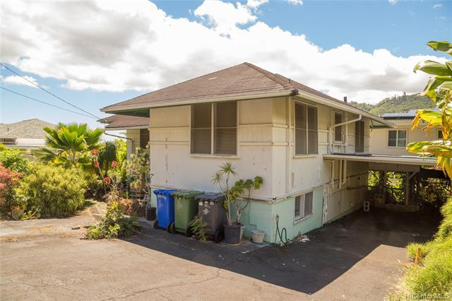 3024 Lono Place, Honolulu, HI 96822 (MLS #201914043) :: The Ihara Team