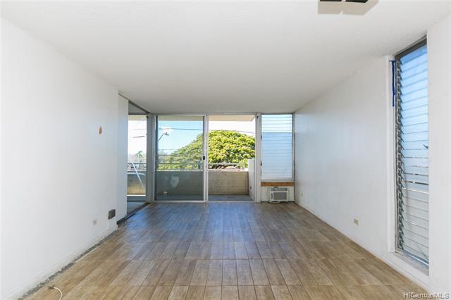 1015 Ala Napunani Street #301, Honolulu, HI 96818 (MLS #201914264) :: Hawaii Real Estate Properties.com