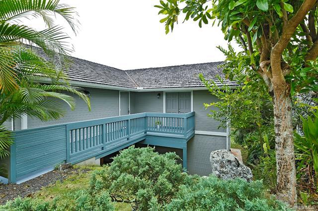 179 Kahako Street, Kailua, HI 96734 (MLS #201915458) :: Team Lally