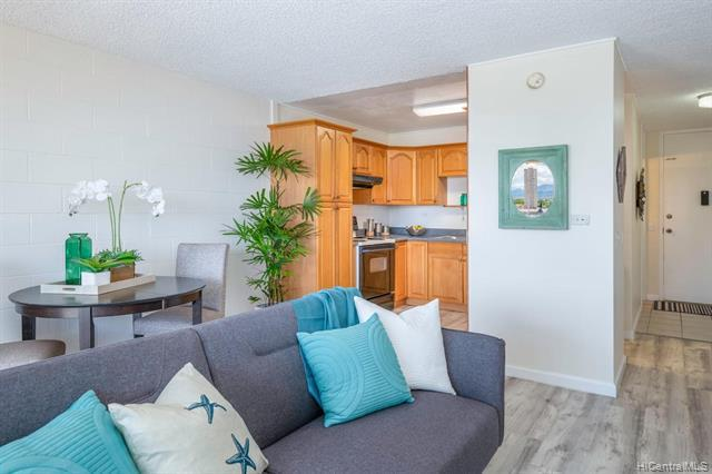 950 Lehua Avenue #905, Pearl City, HI 96782 (MLS #201917272) :: The Ihara Team