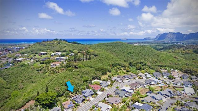 1563 Kanapuu Drive, Kailua, HI 96734 (MLS #201917629) :: Team Lally