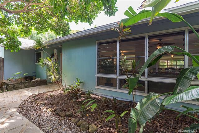 724 Nunu Street, Kailua, HI 96734 (MLS #201917655) :: The Ihara Team