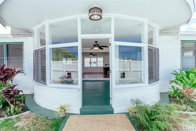 339 Kawainui Street, Kailua, HI 96734 (MLS #201918543) :: The Ihara Team