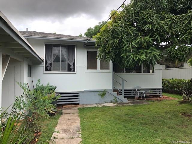 1423 Noelani Street, Pearl City, HI 96782 (MLS #201918624) :: The Ihara Team