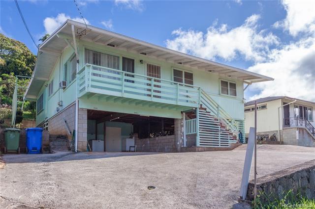 99-658A Kaulainahee Place, Aiea, HI 96701 (MLS #201918772) :: The Ihara Team