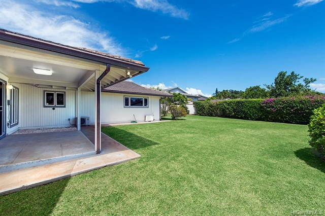 1423 Ala Naupaka Street, Honolulu, HI 96818 (MLS #201918935) :: The Ihara Team