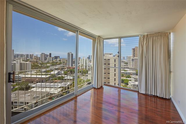 1702 Kewalo Street #1104, Honolulu, HI 96822 (MLS #201919195) :: The Ihara Team