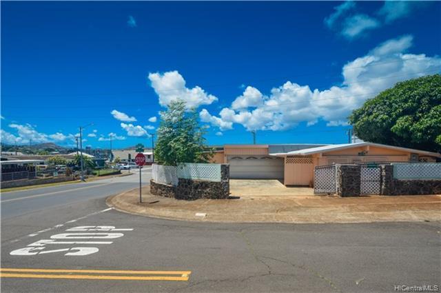 98-510 Kaamilo Street, Aiea, HI 96701 (MLS #201919392) :: Hardy Homes Hawaii