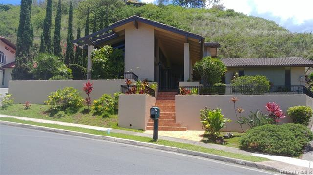 1360 Aupupu Street, Kailua, HI 96734 (MLS #201920999) :: Team Lally
