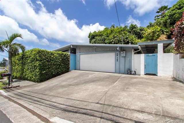 44-144 Nanamoana Street, Kaneohe, HI 96744 (MLS #201921090) :: Team Lally