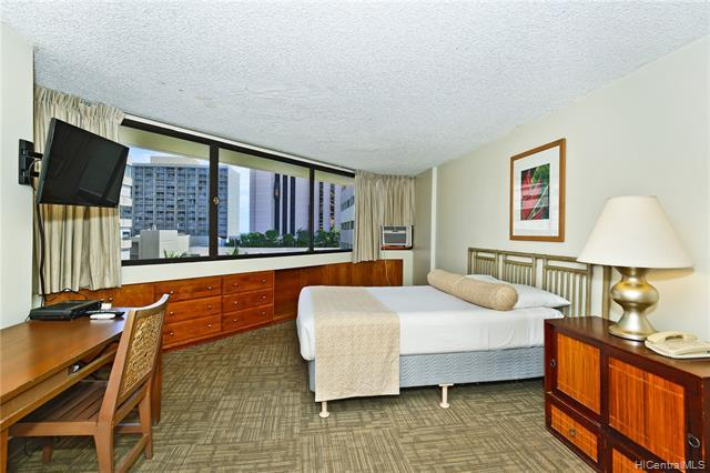 1700 Ala Moana Boulevard - Photo 1