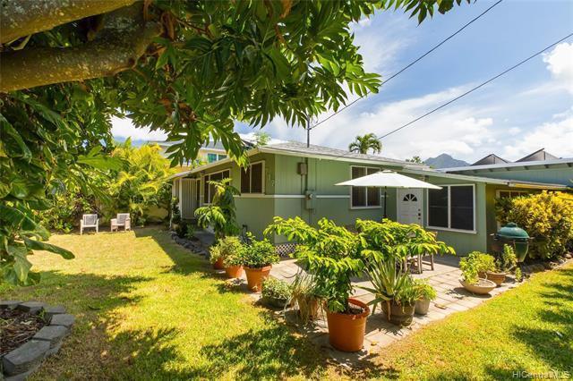 717 Oneawa Street, Kailua, HI 96734 (MLS #201922291) :: Team Lally