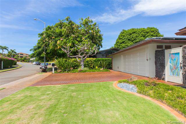 1113 Koloa Street, Honolulu, HI 96816 (MLS #201926307) :: Team Lally