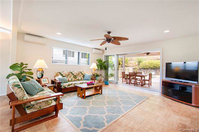 1358 Kalaniiki Street, Honolulu, HI 96821 (MLS #201926755) :: The Ihara Team