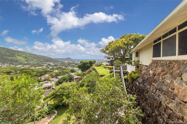 2835 Puuhonua Street, Honolulu, HI 96822 (MLS #201929452) :: Keller Williams Honolulu