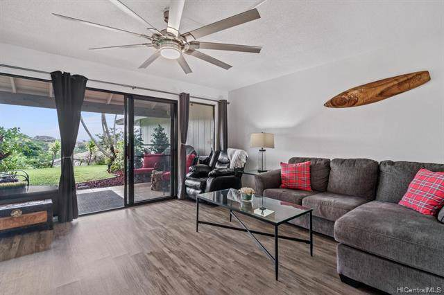 98-1773 Kaahumanu Street B, Aiea, HI 96701 (MLS #202000766) :: The Ihara Team