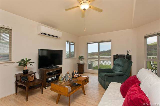 92-7167 Elele Street #704, Kapolei, HI 96707 (MLS #202000891) :: Team Lally