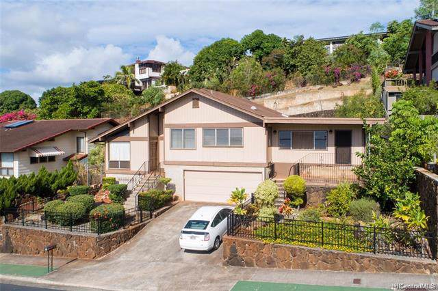 99-556 Hoio Street, Aiea, HI 96701 (MLS #202001045) :: Team Maxey Hawaii