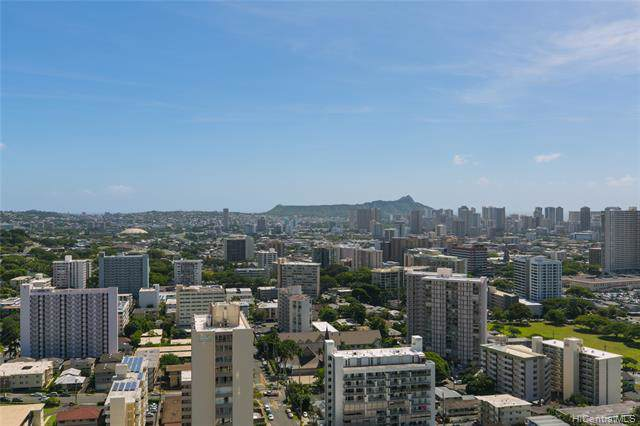 1717 Mott Smith Drive Ph3, Honolulu, HI 96822 (MLS #202001155) :: The Ihara Team