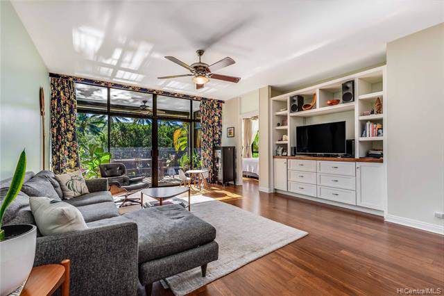 1030 Aoloa Place 207B, Kailua, HI 96734 (MLS #202001578) :: Team Lally