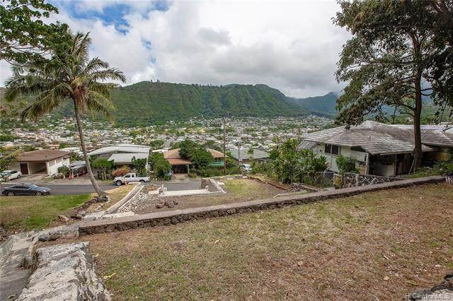 3059 Woolsey Place, Honolulu, HI 96822 (MLS #202002139) :: Team Lally