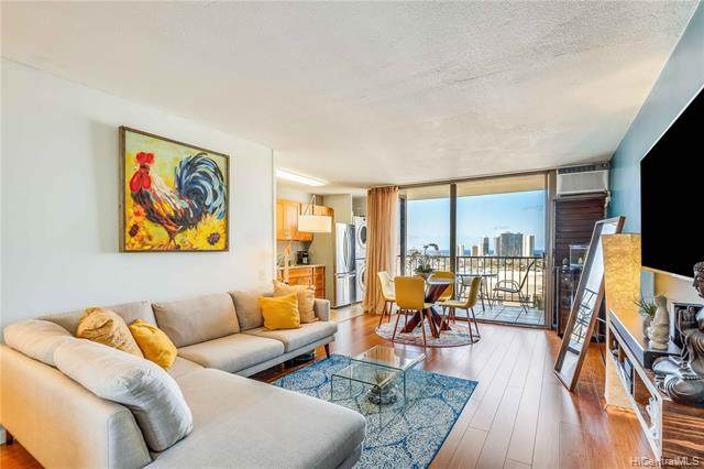 1630 Liholiho Street #1804, Honolulu, HI 96822 (MLS #202004197) :: The Ihara Team