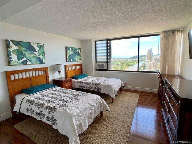 444 Niu Street #2804, Honolulu, HI 96815 (MLS #202007105) :: Barnes Hawaii
