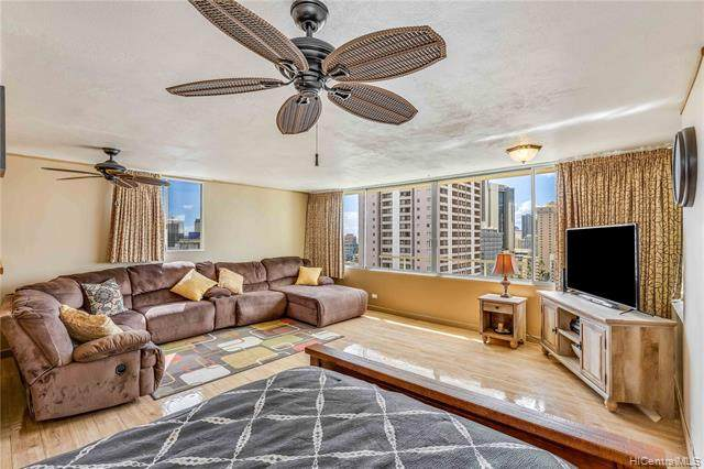435 Seaside Avenue #1602, Honolulu, HI 96815 (MLS #202007399) :: Barnes Hawaii