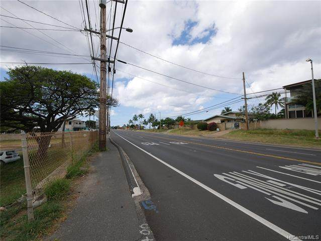 87-656 Farrington Highway, Waianae, HI 96792 (MLS #202011816) :: Team Lally