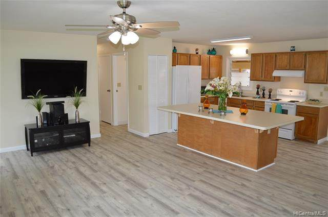 405 Olomana Street, Kailua, HI 96734 (MLS #202016962) :: Team Lally