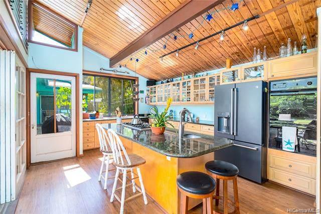 313 Kuliouou Road, Honolulu, HI 96821 (MLS #202018018) :: Island Life Homes