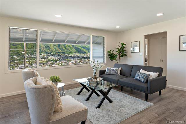 3033 Woolsey Place, Honolulu, HI 96822 (MLS #202021631) :: Island Life Homes