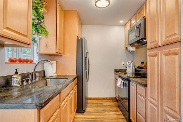 92-1136 Hame Street 10/201, Kapolei, HI 96707 (MLS #202023261) :: Corcoran Pacific Properties