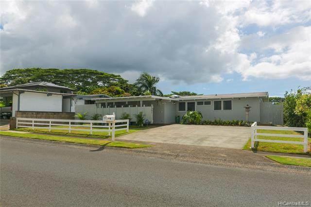 2351 Komo Mai Drive, Pearl City, HI 96782 (MLS #202024965) :: LUVA Real Estate